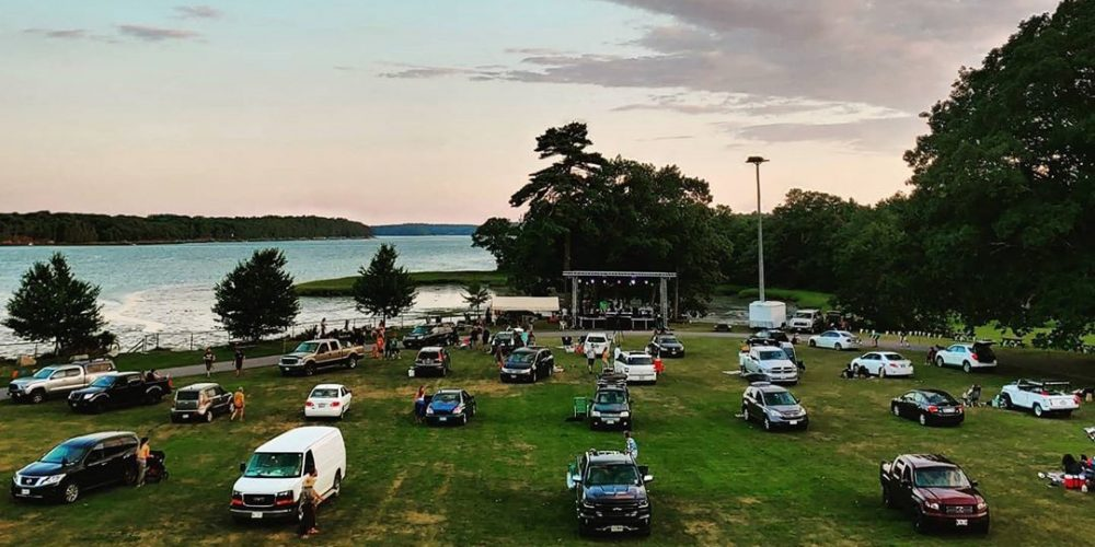 https://www.thomaspointbeach.com/wp-content/uploads/2020/08/oceanside-drive-in-concert-by-avenue-media-3.jpg